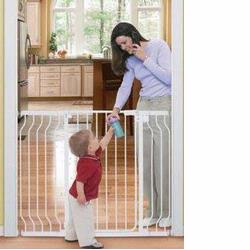 Summer Infant 07060 Sure & Secure Extra Tall Walk-Thru Gate