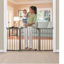 Summer Infant 07710 Stylish n' Secure 6 Foot Extra Tall Metal Expansion Gate