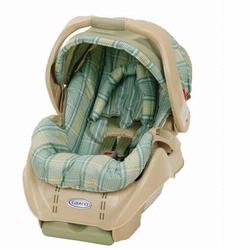 Graco 8F09MRG3 SnugRide Infant Car Seat in Margo Design