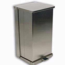 Detecto C-32 Stainless Steel Step-On Can Waste Receptacle 32 Quart (8 gallon) Capacity