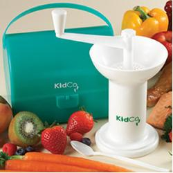 KidCo F800 Food Mill w/carrying case