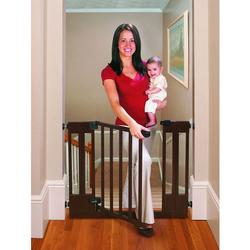 Summer Infant 07840 Sure&Secure Deluxe Top of Stairs Wood Walk-Thru Gate