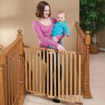 KidCo G2300, Angle Mount Wood Safeway - Oak