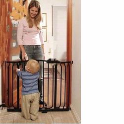 DreamBaby L790 Hallway Security Gate with 2 Free extensions, Black