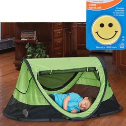 KidCo P4010 PeaPod Plus Portable Travel Bed - Kiwi with Happy Face Night Light